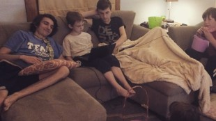 5 Kids on the Couch